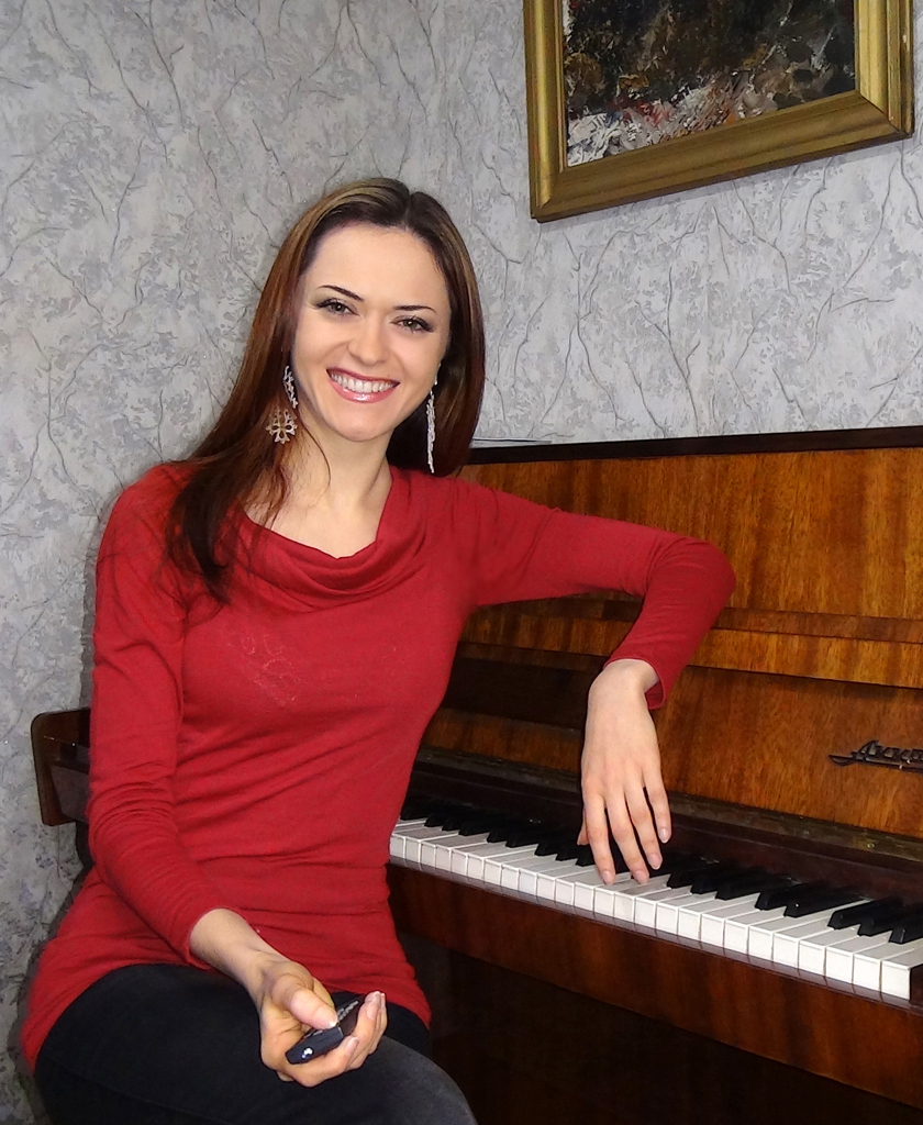 "Ilinca Vartic - video presentation of my new ""Online Piano Community"" project"