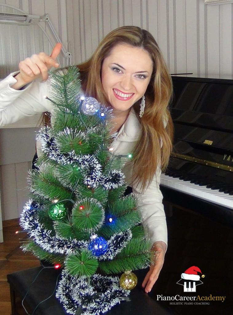 Ilinca Vartic - Christmas Tutorial PianoCareer.com